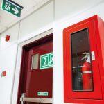 ¿Qué tipos de sistemas de protección contra incendios existen?
